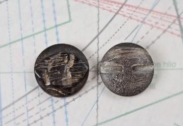 bouton en corne noire, 2 trous