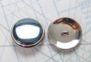 Bouton en métal argenté estampé boucle oméga en fer