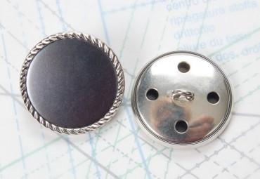 Bouton en métal argenté gris estampé boucle oméga
