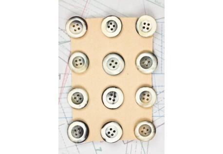 bouton en corne blanche blonde et marron, 4 trous, 1 plaque de 12 boutons