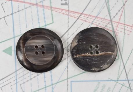 bouton en corne noire, 4 trous
