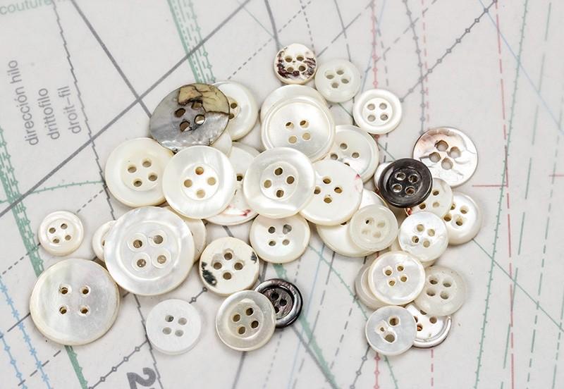 bouton en nacre, 1 lot 18 pièces
