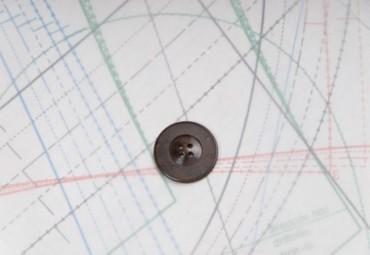 bouton en plastique couture