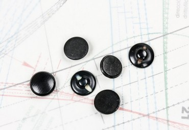 bouton en corozo 1 lot égal 3g égal 6 boutons